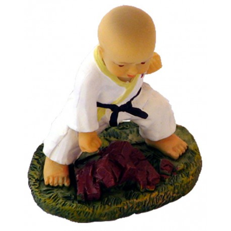 "Figurina mica karate ""K"""